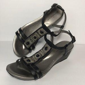 Bandolino Wedge Sandal Size 7 1/2 Medium